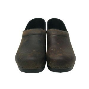 Dansko Oiled leather clogs comfort shoes Size 9.5